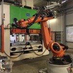 Spritzgussmaschine mit KUKA Roboter